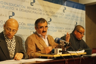 RESOLUCIÓN DE ASAMBLEA NACIONAL: APRUEBA VOTO POLÍTICO Y COLEGIO DE PROFESORES CONTINÚA NEGOCIACIÓN CON EL GOBIERNO