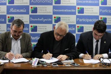 CONES, COLEGIO DE PROFESORES Y ALCALDES FIRMAN ACUERDO POR NUEVO SISTEMA DE FINANCIAMIENTO Y SOLICITAN PARTICIPAR DE MESA DE TRABAJO