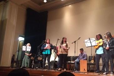 Profesor y estudiantes de Batuco lanzan producción poético-musical en Biblioteca Nacional
