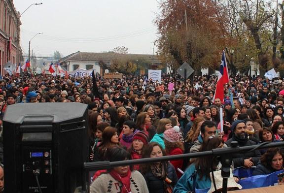 Miles paralizan y marchan en San Fernando