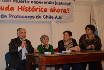 """Profesores afectados por la """"Deuda Histórica"""" se reúnen con la candidata presidencial Beatriz Sánchez"""