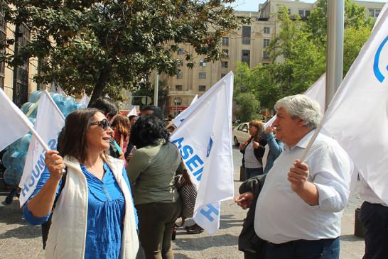 En medio de protestas se inicia negociación: Gobierno – trabajadores sector público