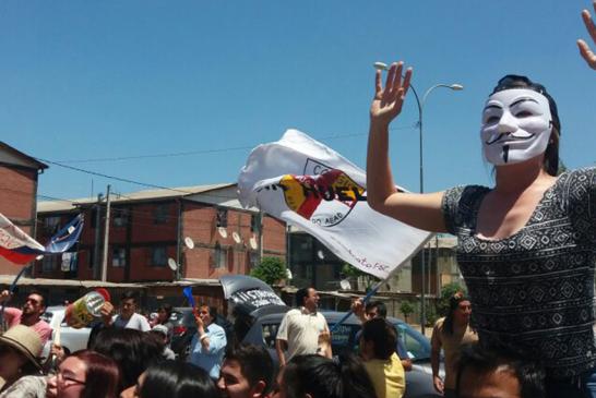 Huelga en colegio de San Bernardo crece en apoyos de la comunidad