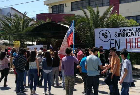 Colegio de San Bernardo se declara en 'Huelga Legal' y recibe apoyo del Regional del Colegio de Profesores