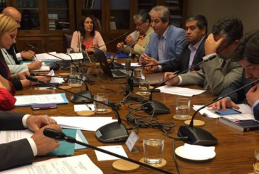 """Se aprueba proyecto de ley sobre """"Salud incompatible"""" en comisión de trabajo del Senado"""