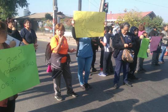 Comunidad de escuela en Cerrillos exige mayor seguridad