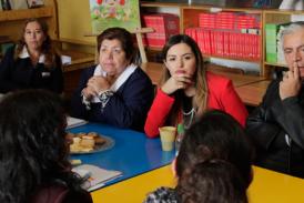 Seremi asiste a reunión con comunidad educativa de Escuela Reino de Noruega tras gestión del Regional Metropolitano