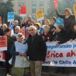 Diputado del Frente Amplio Tomás Hirsch entrega su apoyo a profesores de la Deuda Histórica