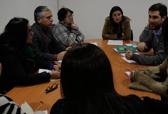 Contratos en SLE Barrancas y problemas de la Educación Parvularia son analizados en reunión con Seremi
