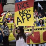 Colegio de Profesores rechaza reforma a pensiones que sigue beneficiando a las AFP