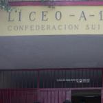 Profesores del Liceo Confederación Suiza y Regional Metropolitano rechazan reportaje que los vincula con violencia estudiantil