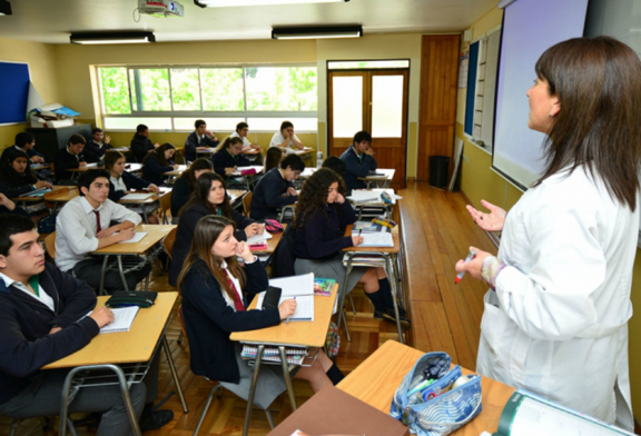 Documento con porcentaje de estudiantes prioritarios 2020