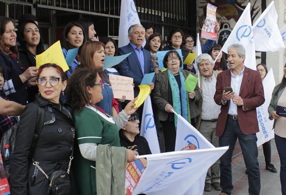 Protesta Nacional Docente exige respuesta del Mineduc en todo Chile