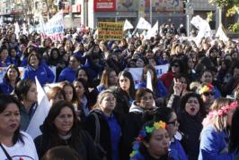 Masiva marcha de profesoras de párvulos en Paro