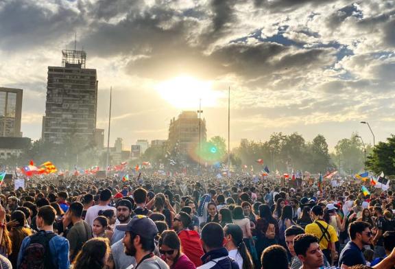 Esto no ha terminado: Millones marchan en todo Chile y cien mil acuden a acto en Parque O´Higgins