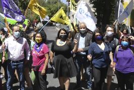 Mario Aguilar inscribe candidatura en lista de movimientos sociales del distrito ocho para Convención Constitucional