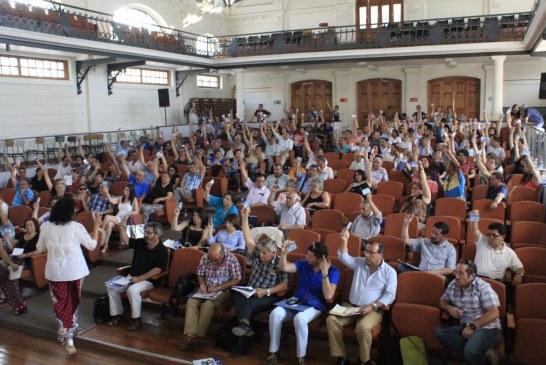 Ante intransigencia de dirigencia de la CUT: Colegio de Profesores congela su participación en la Central