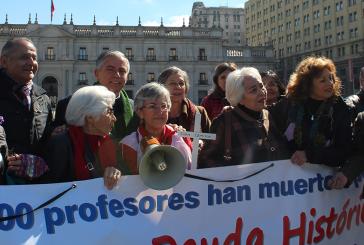 Emocionante ceremonia frente a La Moneda por Día de la Deuda Histórica
