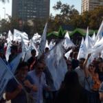 Masiva marcha contra la educación de mercado reúne a docentes de toda la región