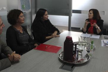 Reunión con directora del DEM Santiago por irregularidades y rebajas horarias a docentes PIE
