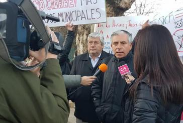 Lo Barnechea protesta contra cierre de colegios