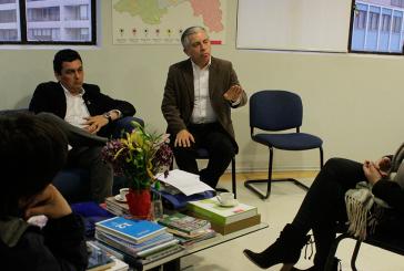 Se firma compromiso de solución con Alcalde de Til Til, Seremi y Colegio de Profesores