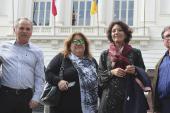 Protesta ante Municipalidad de Santiago por posible recorte de horas pedagógicas