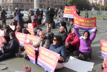Sitting pacífico y detención de dirigentes provoca reunión con Ministra Cubillos