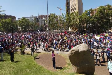 Histórico: Cientos de miles marchan pacíficamente en Huelga Nacional